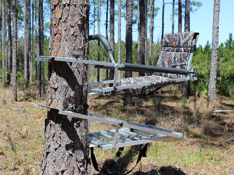 Combo hunter deluxe seat facing tree